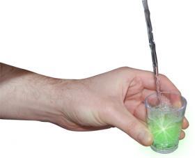 Ledindon Com flashing shot glasses   gadgets & fun   le dindon