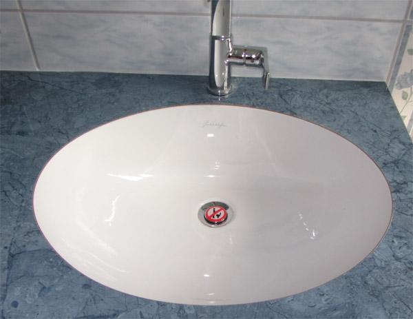 bouchon de lavabo interdit d 39 uriner design le dindon. Black Bedroom Furniture Sets. Home Design Ideas