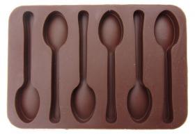 Cuillères en chocolat
