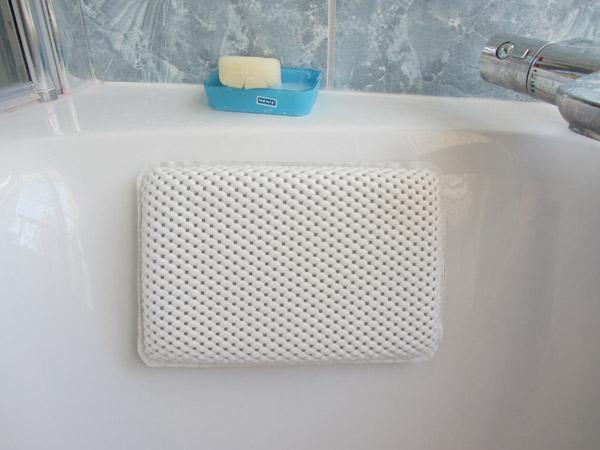 coussin de baignoire design le dindon. Black Bedroom Furniture Sets. Home Design Ideas