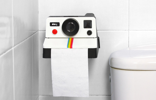 D rouleur de papier toilette polaroid design le dindon - Peindre ses toilettes ...