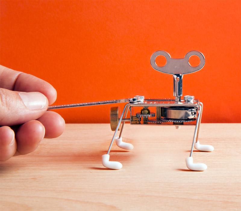 spinney assembler gadgets fun le dindon. Black Bedroom Furniture Sets. Home Design Ideas